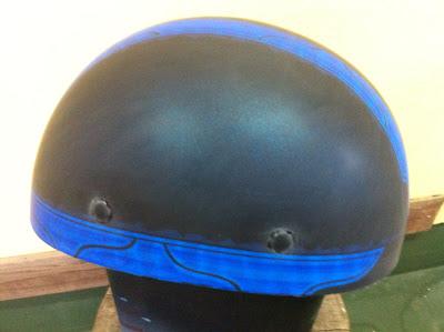 655733291 - カスタムペイント工程  バッドボーンヘルメット シルバーリーフ スピニング