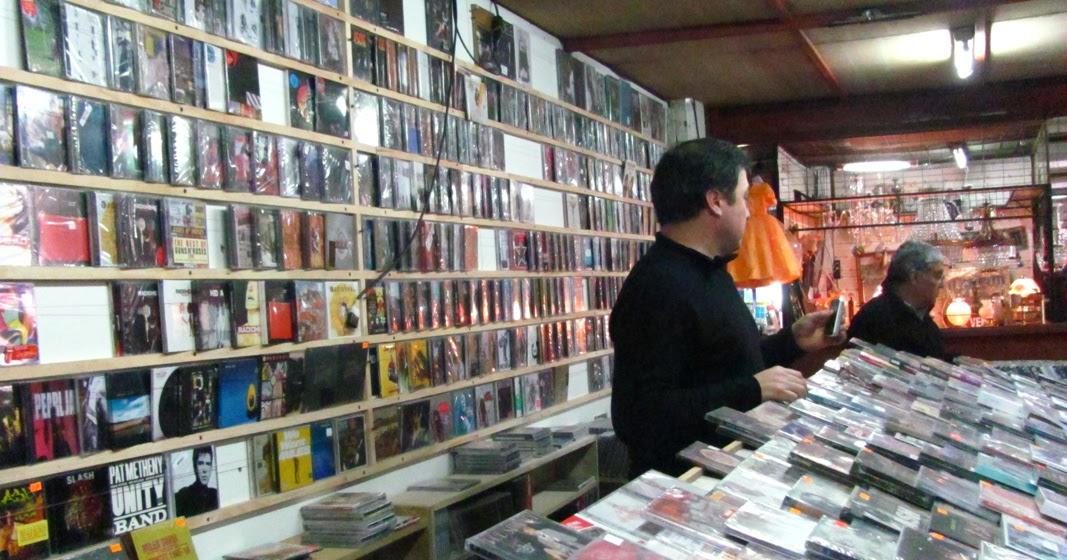 Persa b o b o la pic para comprar discos rock for Casa musica chile