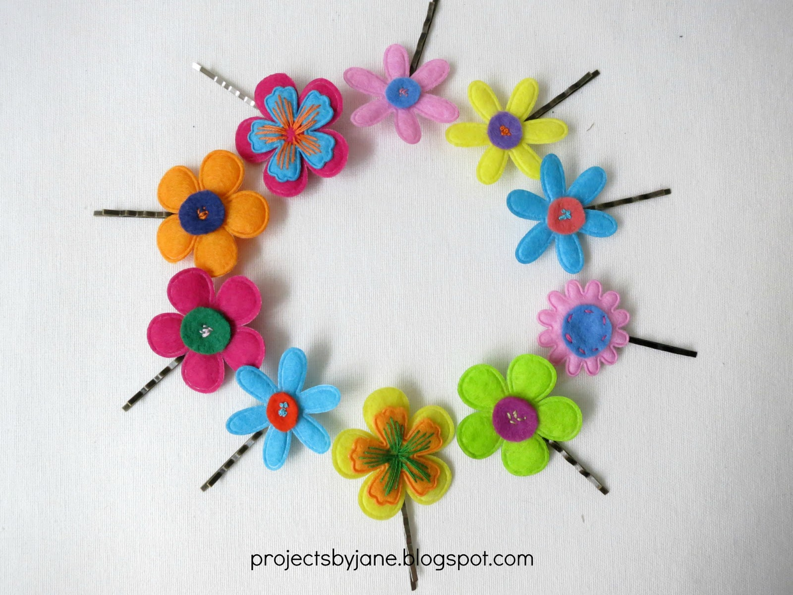Felt flower hair pins