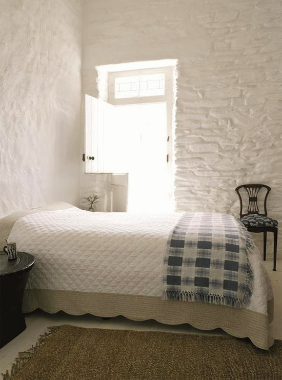 Safari Fusion blog | Whitewash | Painted white bricks walls and whitewashed timber floors and ceiling at the White House, Koringberg Swartland, South Africa
