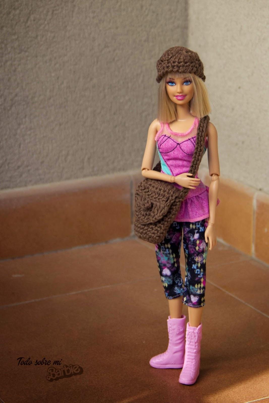 Todo sobre mi Barbie: Gorro y bolso de ganchillo