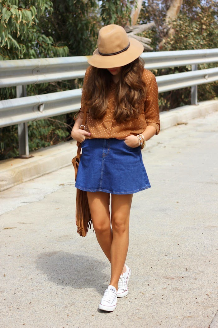outfit_converse_blancas_zapatillas_sombrero_stradivarius_falda_denim_vaquera_angocupcakes01