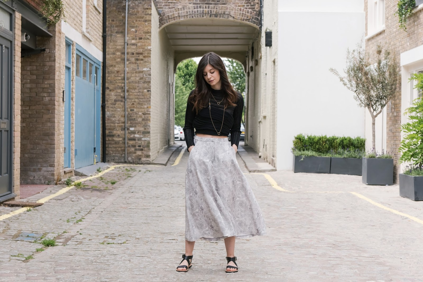 marble print, ioanna kourbela, v society, silk culottes, isapera sandals, isapera mykonos, greek fashion, greek designers, virginia tzioti