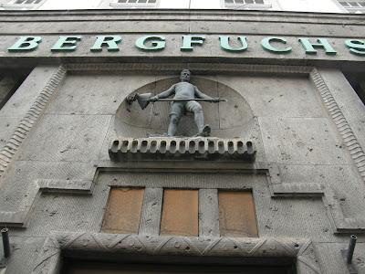Bécs, Bergfuchs, golyónyomok, battlefield, Wien, Vienna, krieg, háború, war