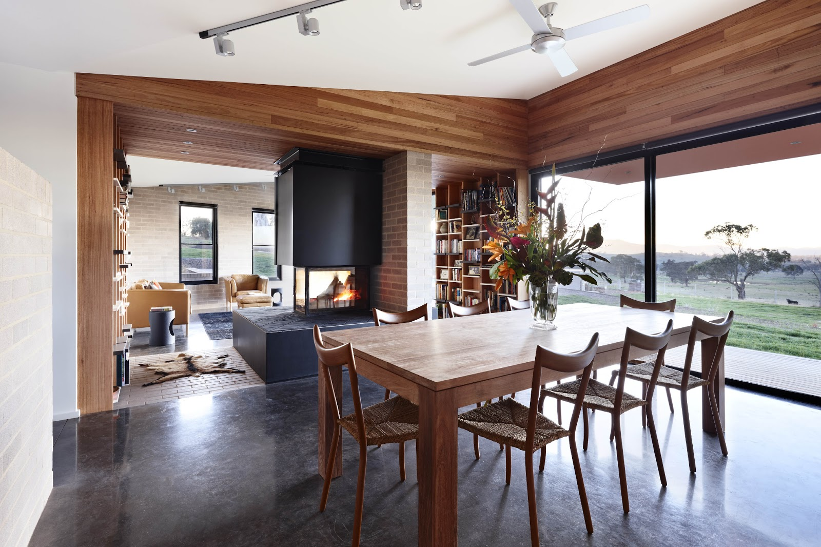 Kylie jackes grand designs australia for Grand designs modern house