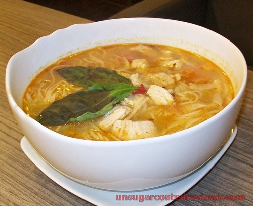 Saint's Alp Chicken Tom Yum