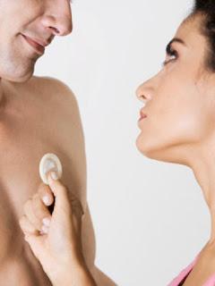 5 Hal yang Bisa Kamu Lakukan Jika Pasangan Tolak Pakai Kondom