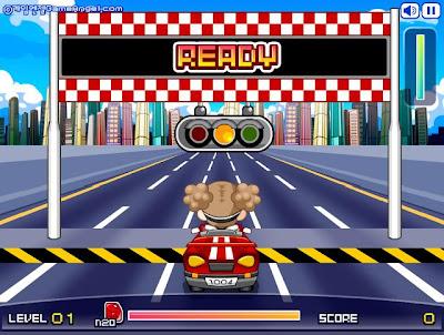 Minik kız araba yariscisi kiz araba yarisi oyunu