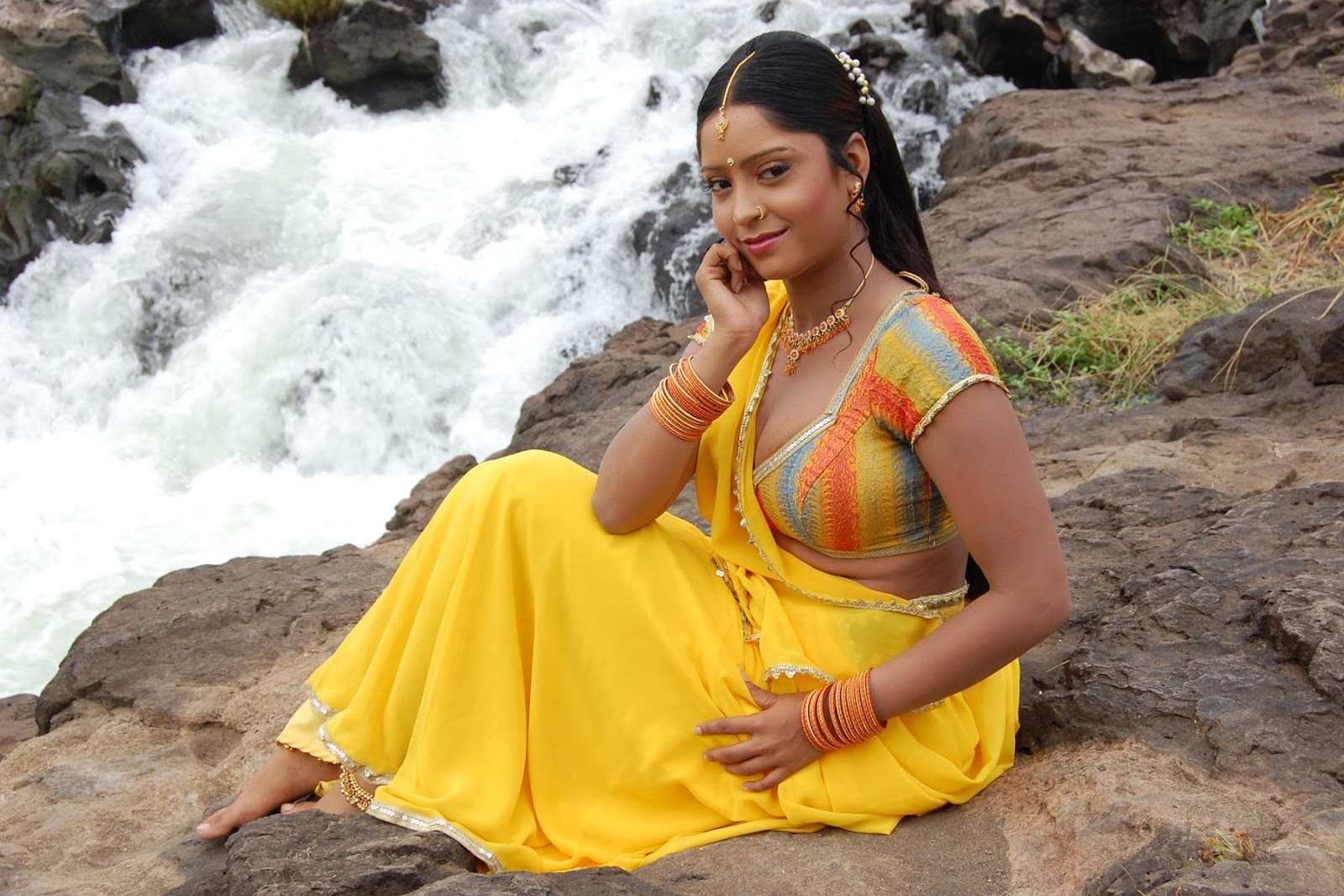 ... AAAAAAAAACU/cdFrhvHHOCo/s1600/subhi+sharma+Bhojpuri+Movie+Actress.jpg