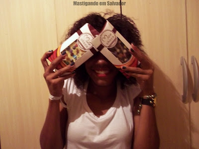 Jamile Moura com suas Barras de Chocolate da Meu Choco