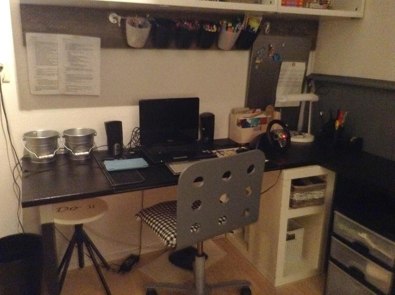 Label 24 stoere steigerhouten jongenskamer - Blauwe en grijze jongens kamer ...