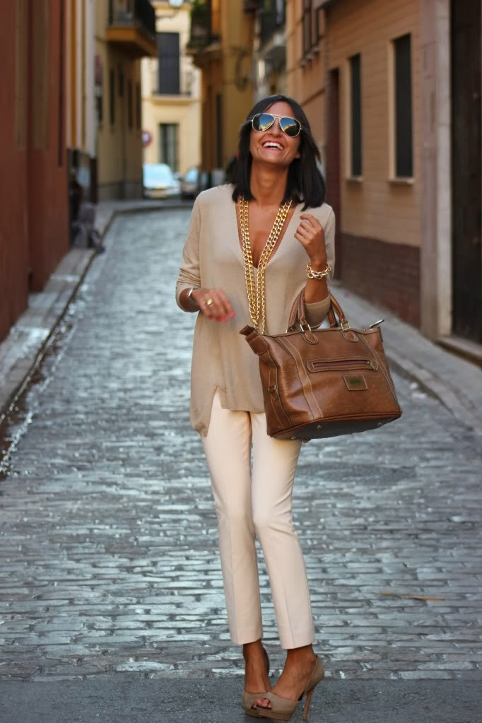 Love this look...it's classy, elegant but still casual!