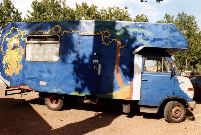 Préférence Le camping-car Passe partout: Camtar de ouf : le camping car des d  FC79