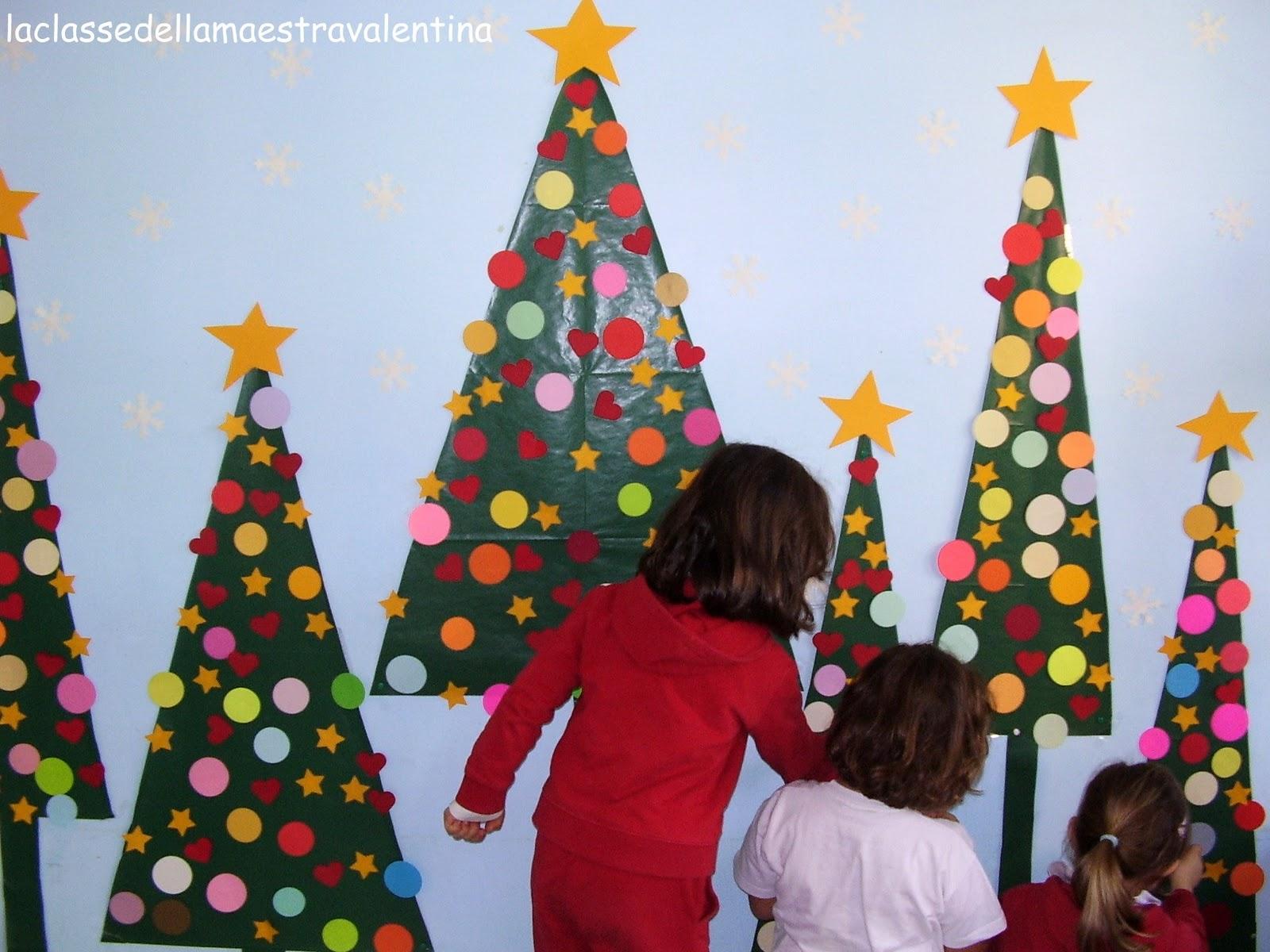 La classe della maestra valentina natale con i bambini for Addobbi per la classe natale