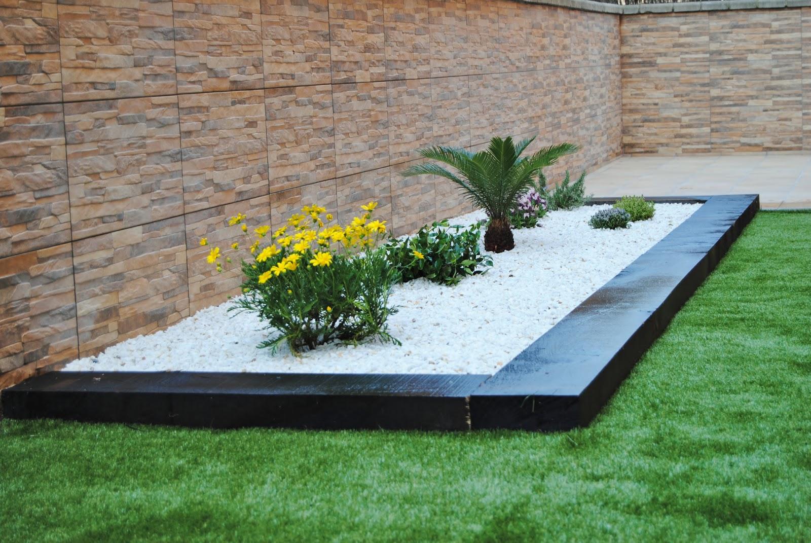 Jardiner a xavi casta o bajo mantenimiento con cesped for Jardines de cesped artificial