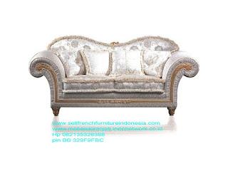 Jual mebel ukir jepara,Sofa ukir jepara Jual furniture mebel jepara sofa tamu klasik sofa tamu jati sofa tamu antik sofa tamu jepara sofa tamu cat duco jepara mebel jati ukir jepara code SFTM-22031