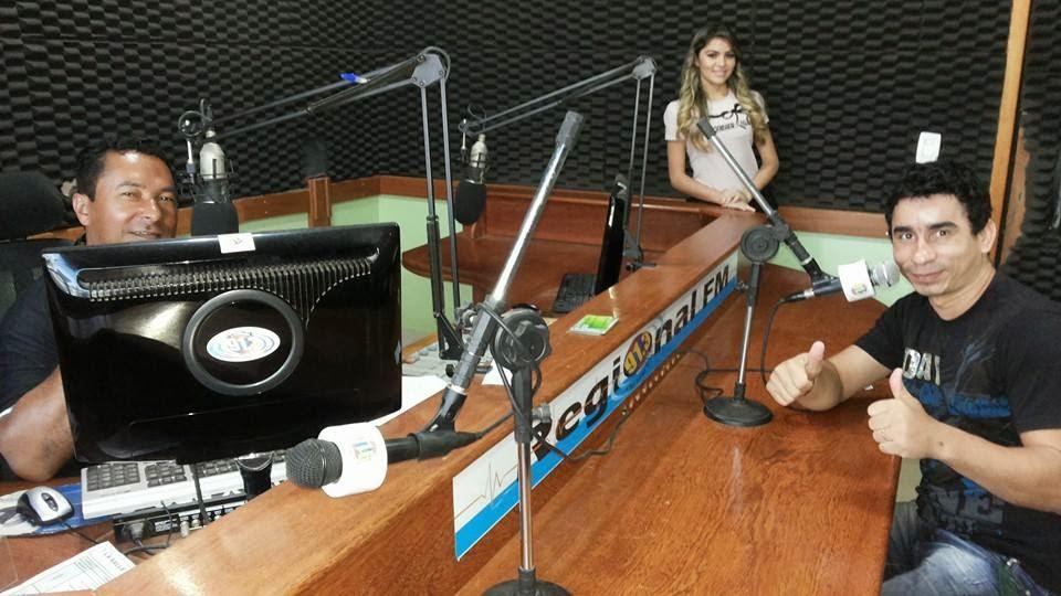No Estúdio da Regional 91.3 FM de Uruará