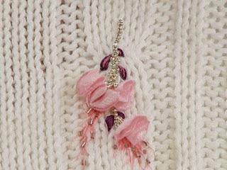 saco con flores bordado en cinta