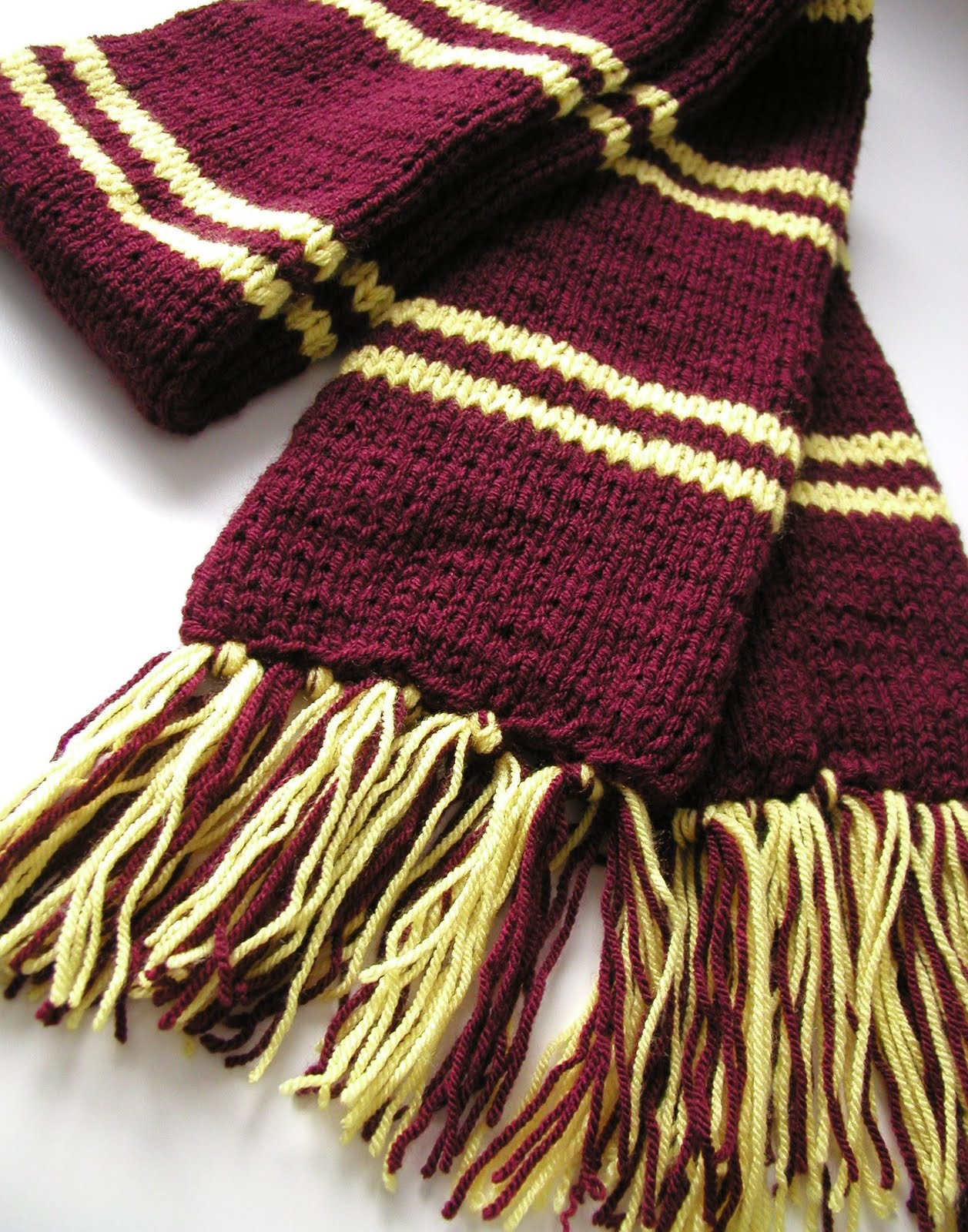 Hand Knitted Things: Harry Potter Inspired Scarf
