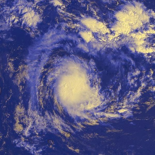 Image satellite de la forte tempête tropicale Astride (saison cyclonique 1999-2000)