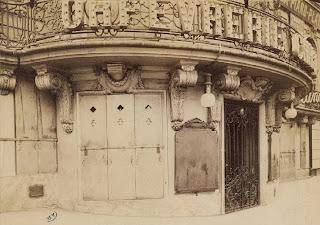 Balcon du pavillon de Hanovre à Paris vers 1900, photo de Atget