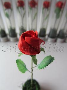 Rosa de Origami no Tubo
