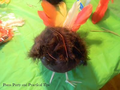 The toothpick feet of the craft turkey