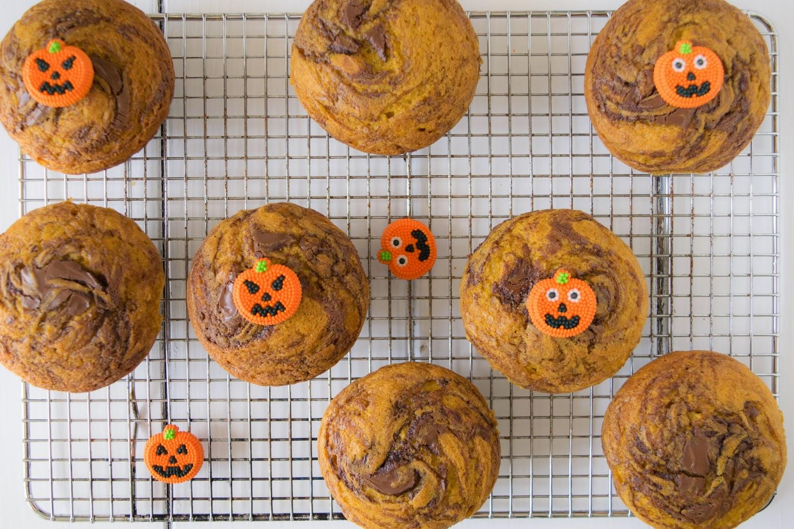 Pumpkin%2Bchocolate%2Bswirl%2Bmuffins29.jpg