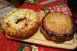 Королевские корона и пирог