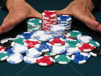 Using Poker Tells to Your Advantage