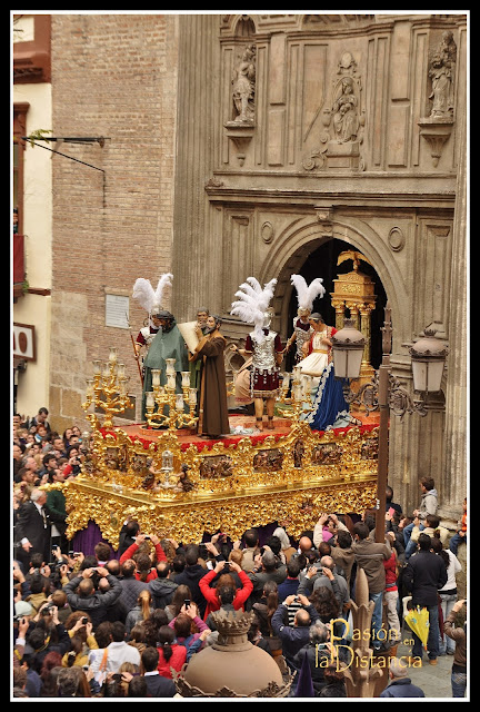 Misterio del Señor de la Sentencia saliendo iglesia  Anunciación 2013