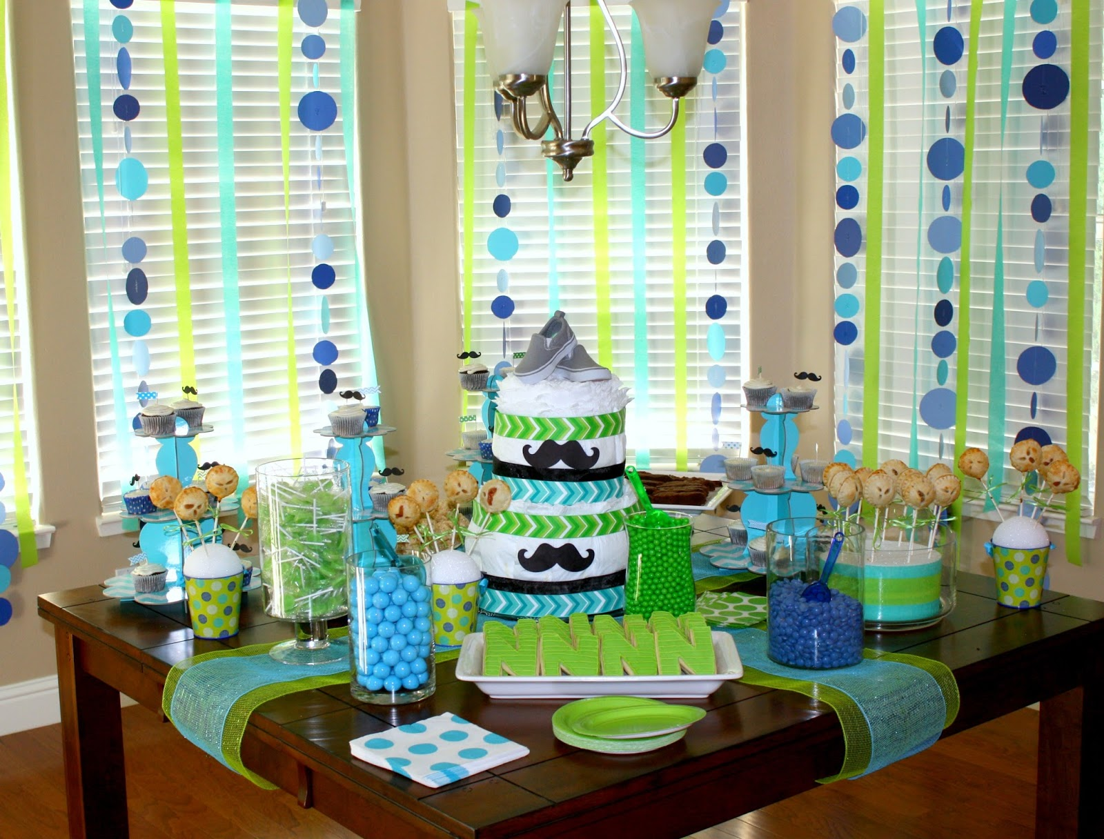 Baby shower themes for boys autos post for Baby boy baby shower decoration ideas