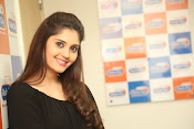 surabhi latest gorgeous looking pics-thumbnail-4