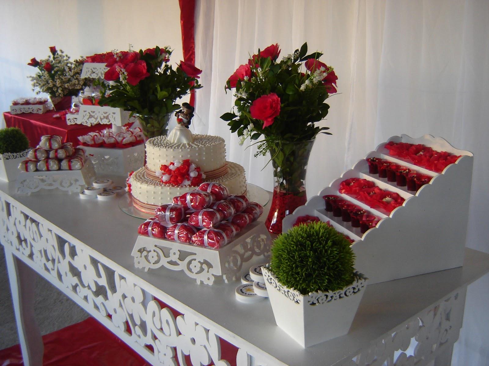 Priscila Arte em balões Casamento Provençal (Vermelho e Branco)