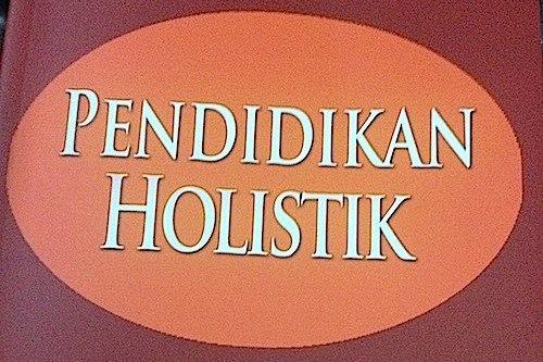 Pembelajaran Holistik Yang Menyenangkan