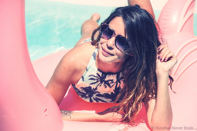 flamingo island,ines,flamand rose,palmier,palm trees,maillot de bain,mode,piscine,billabong,summer 2015,blanc,lunettes