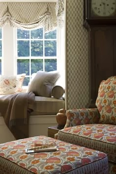 Eye for design decorate your home with window seating - Cottage anglais connecticut blansfield ...