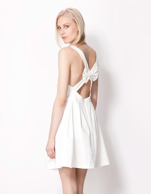 sırtı açık elbise modeli beyaz renk