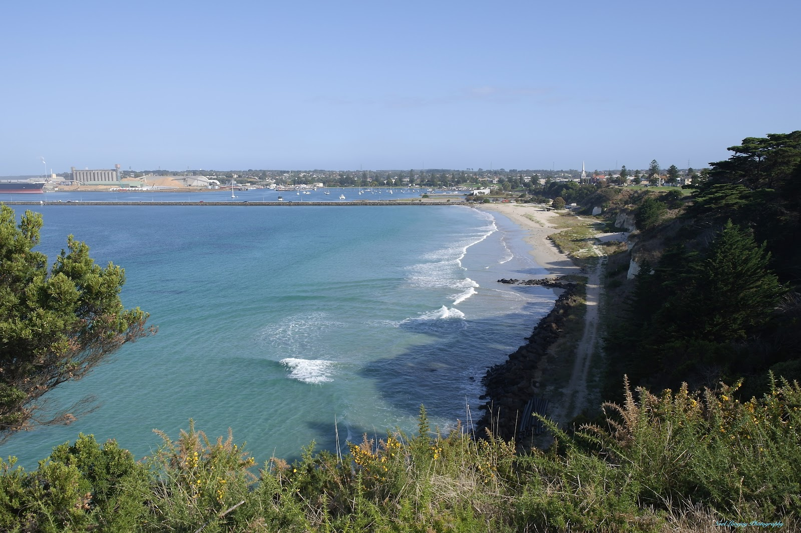 dating portland victoria Explore portland and discovery coast and spot seals at cape bridgewater, watch blue whales off cape nelson or traverse the great south west walk.