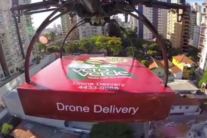 Pizzaria entrega pizza com veículo aéreo não tripulado: Drone