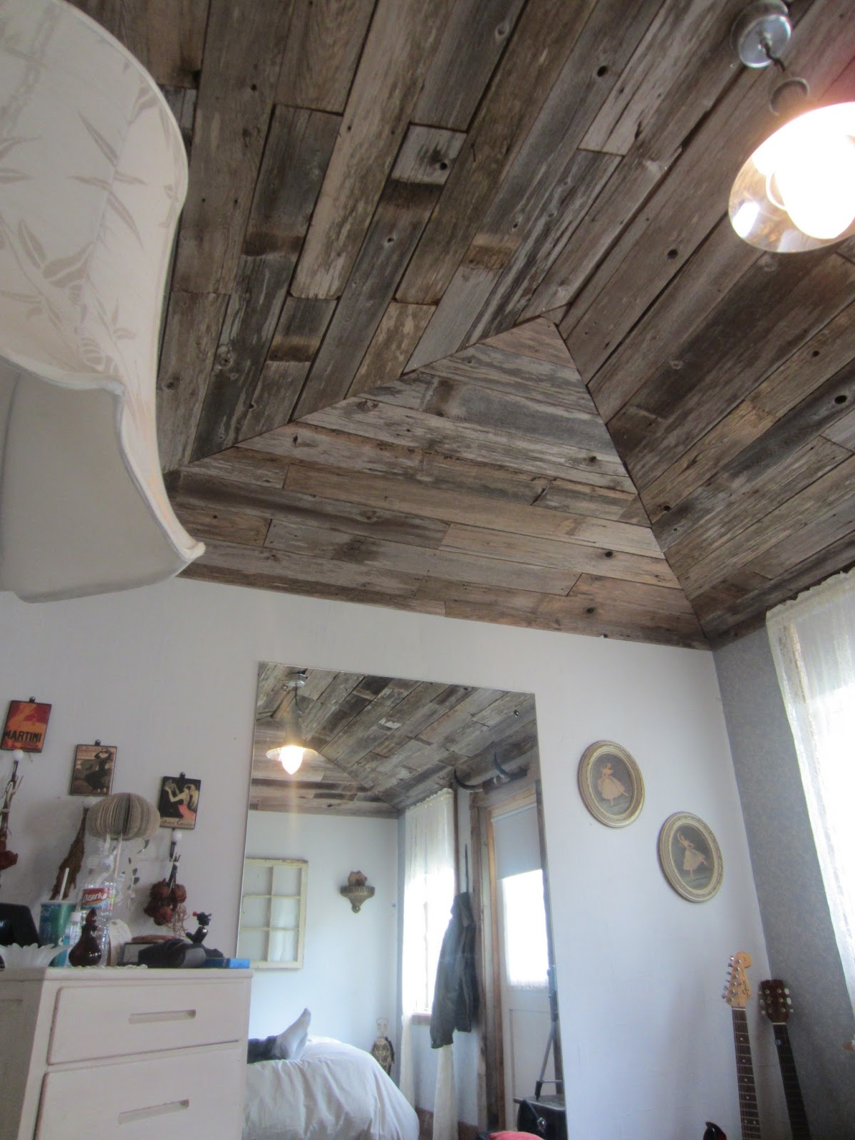 Barn board and fence lumber rustic for Ceiling pictures