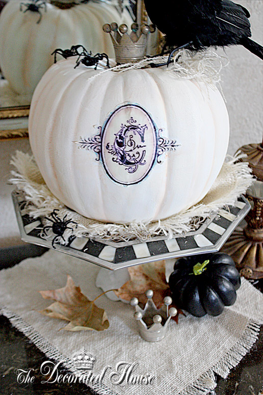 The decorated house halloween decorating in black for White pumpkin designs
