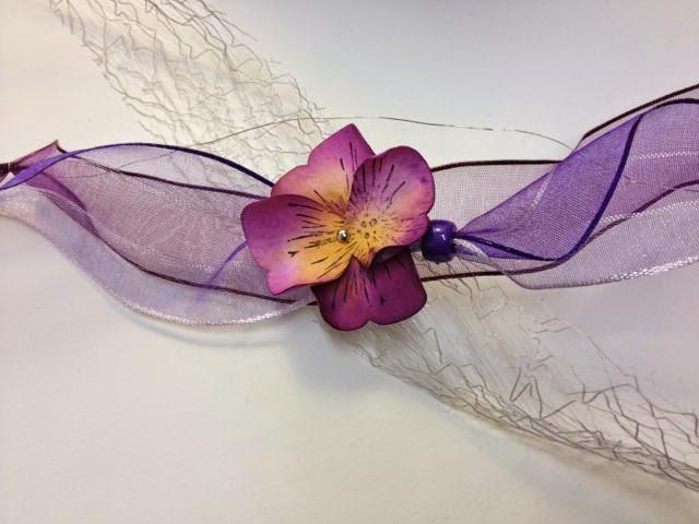ein Stiefmütterchen, hergestellt mit der Schmetterlingsstanze von Stampin Up