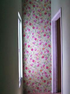 aplicando tecido na parede