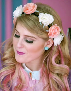 "Meghan Trainor wore a rose flower crown in her hair for the ""All About That Bass"" music video"