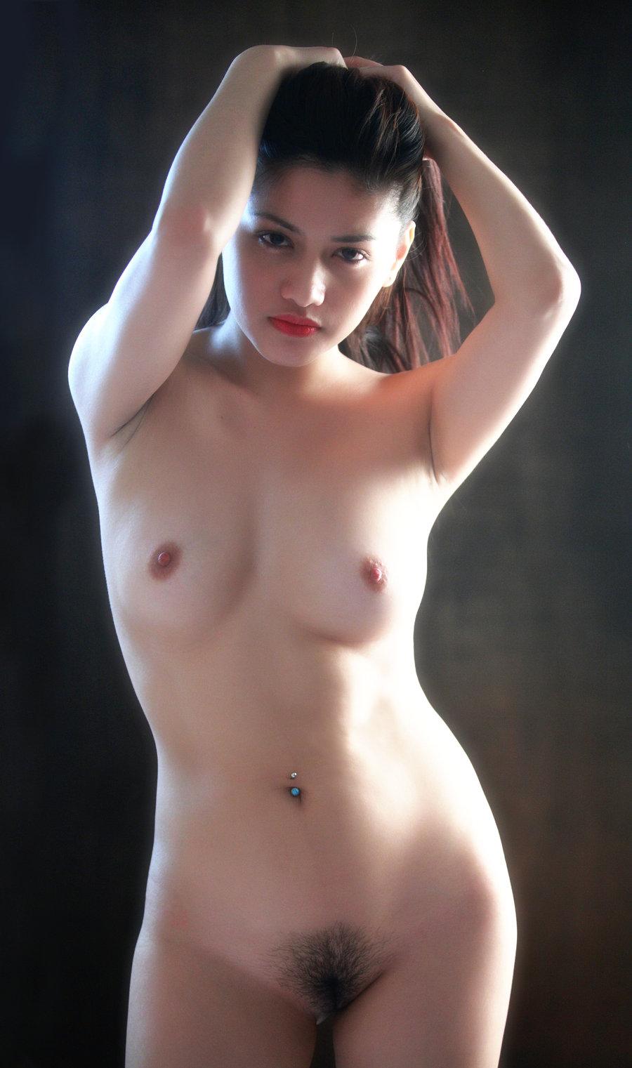 Pinay Nude Art Model