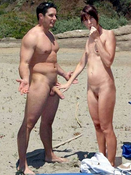 Naked Couple Getting Ready For Blowjob