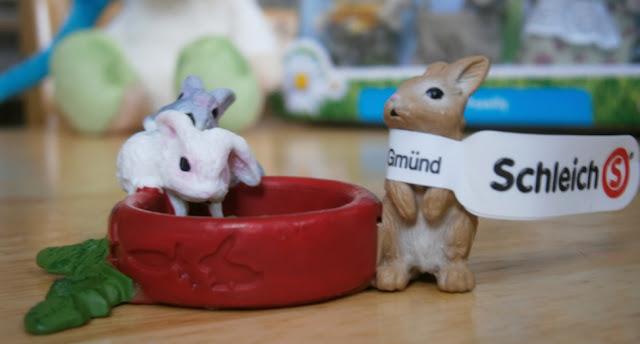 schleich range new for 2013 rabbits far set