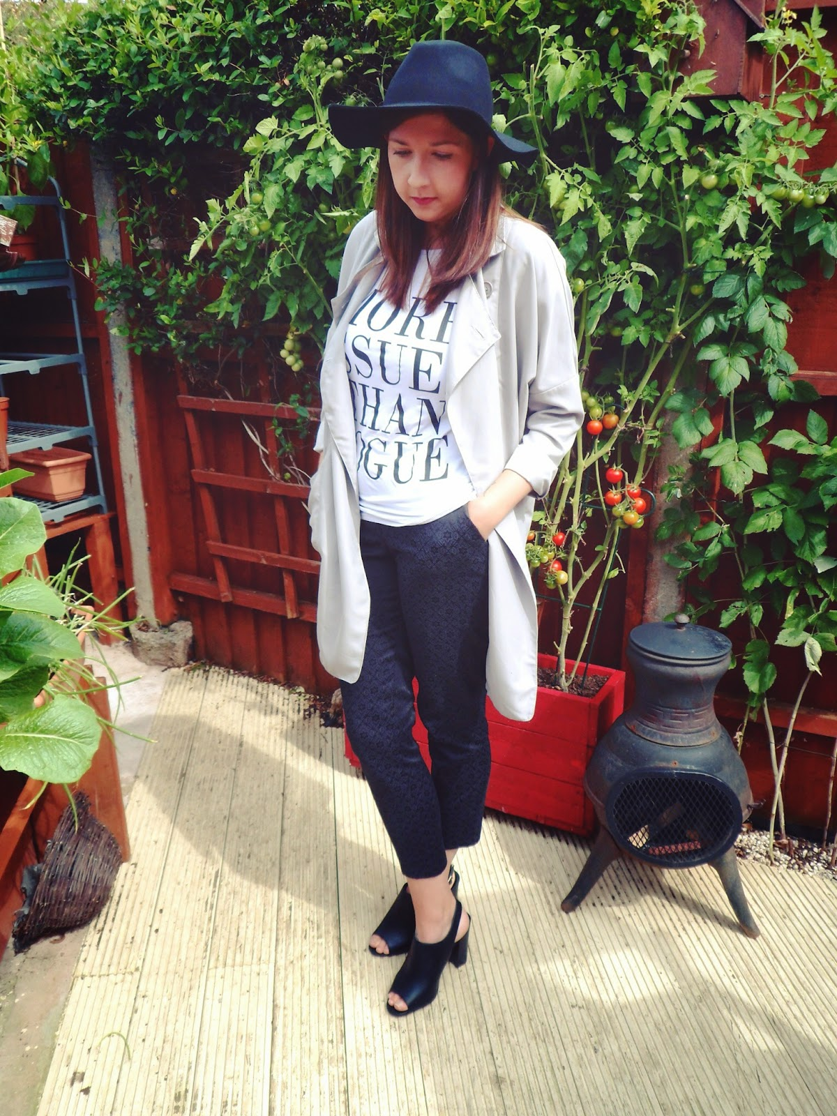 primark, dustypink, ootd, wiw, Outfit of the Day, whatimwearing, asseenonme, ASOS, fedora, cigarettetrousers, dustercoat, vogue, moreissuesthanvogue, mules, black, white, grey,