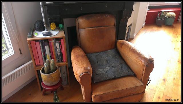 déco style loft 40m² meuble métier tiroir table Etsy 70s, fauteuil club cuir brocante, cactus